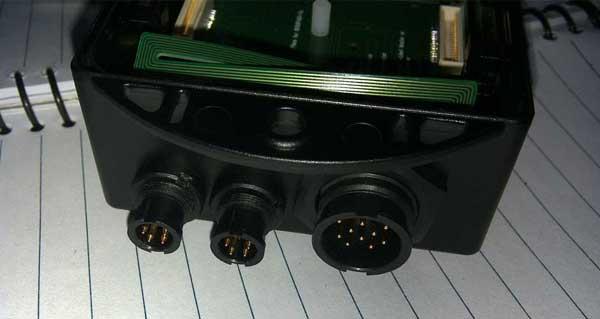 客户定制电器设备使用M6防水连接器