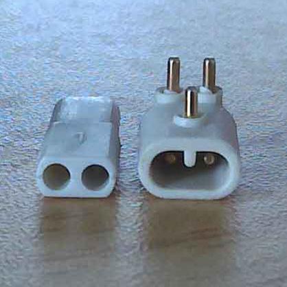 客户定制专用设备使用两插防水连接器