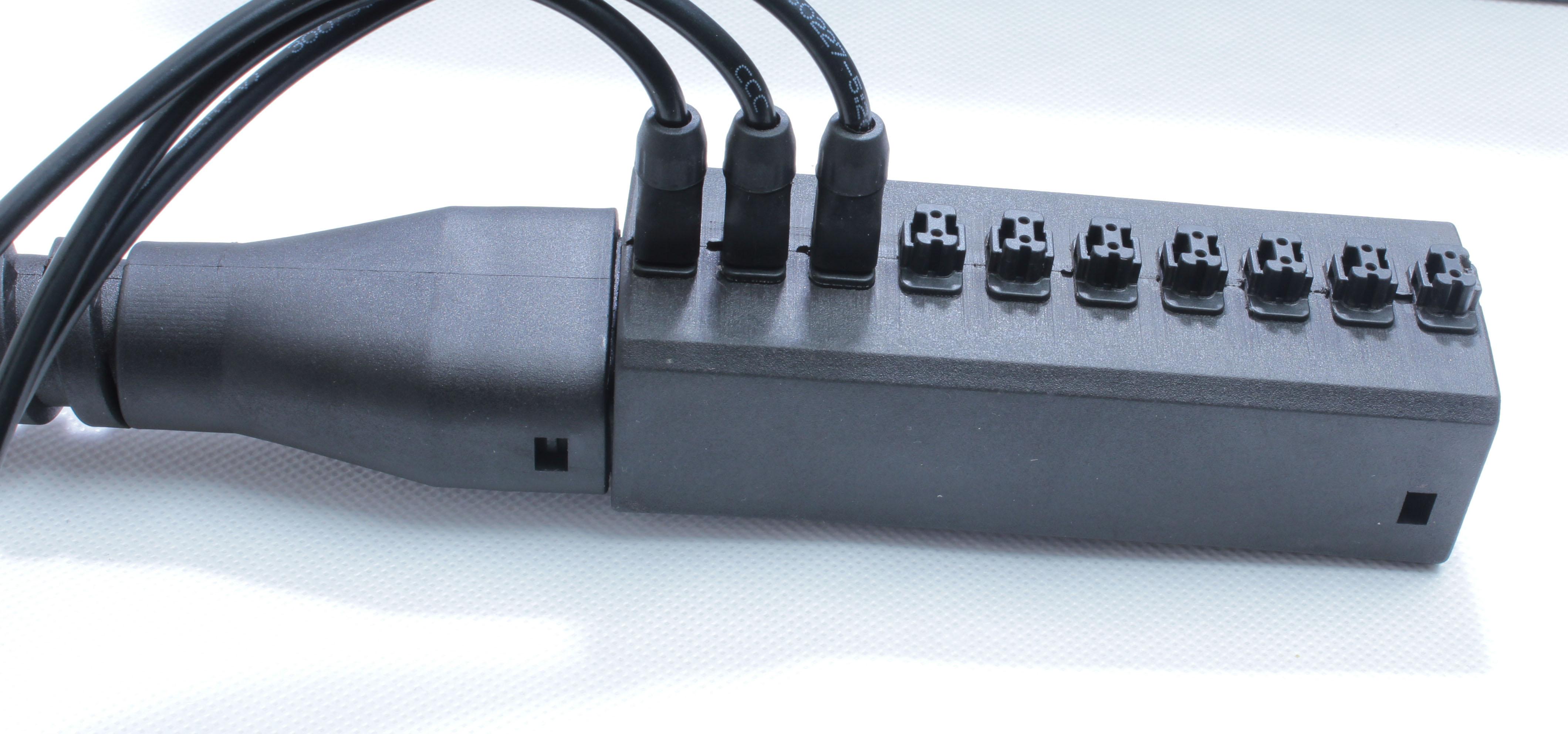 抽屉式连接器